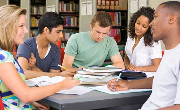 studenten in gesprek