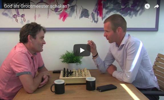 God als Grootmeester schaken - klein